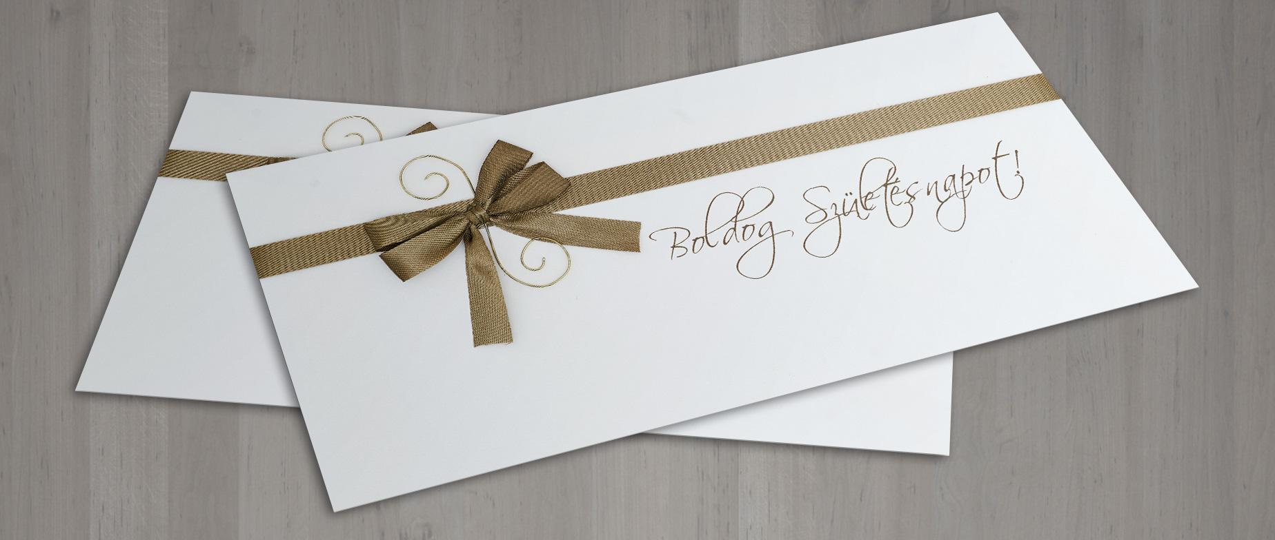 """Francia boríték """"Boldog Születésnapot!"""" felirattal, barna masnival"""