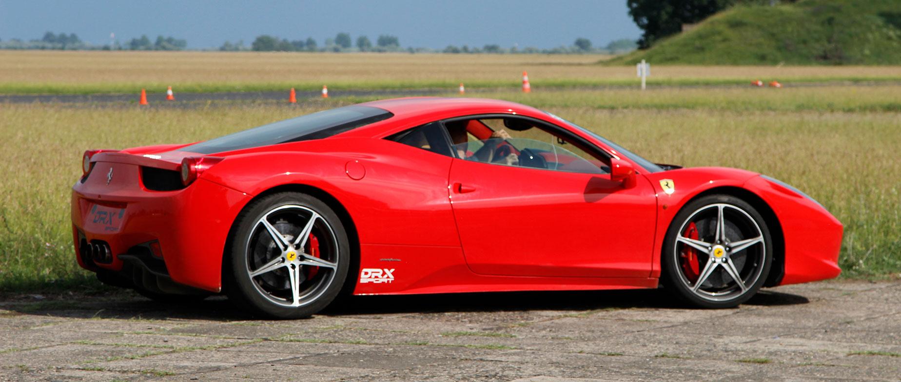 Ferrari 458 Italia élményautózás DRX ringen