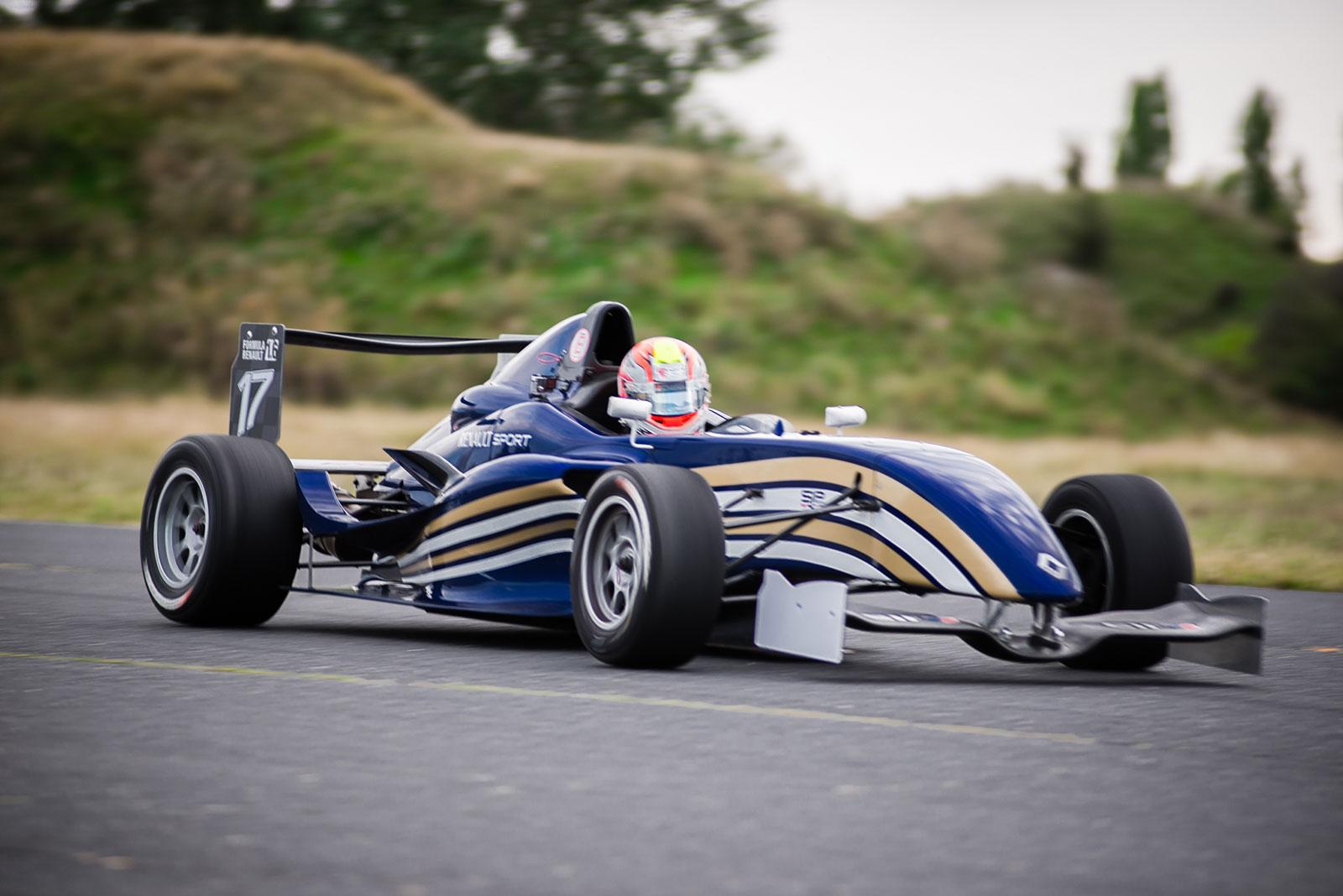 Forma Renault élményautózás DRX ringen