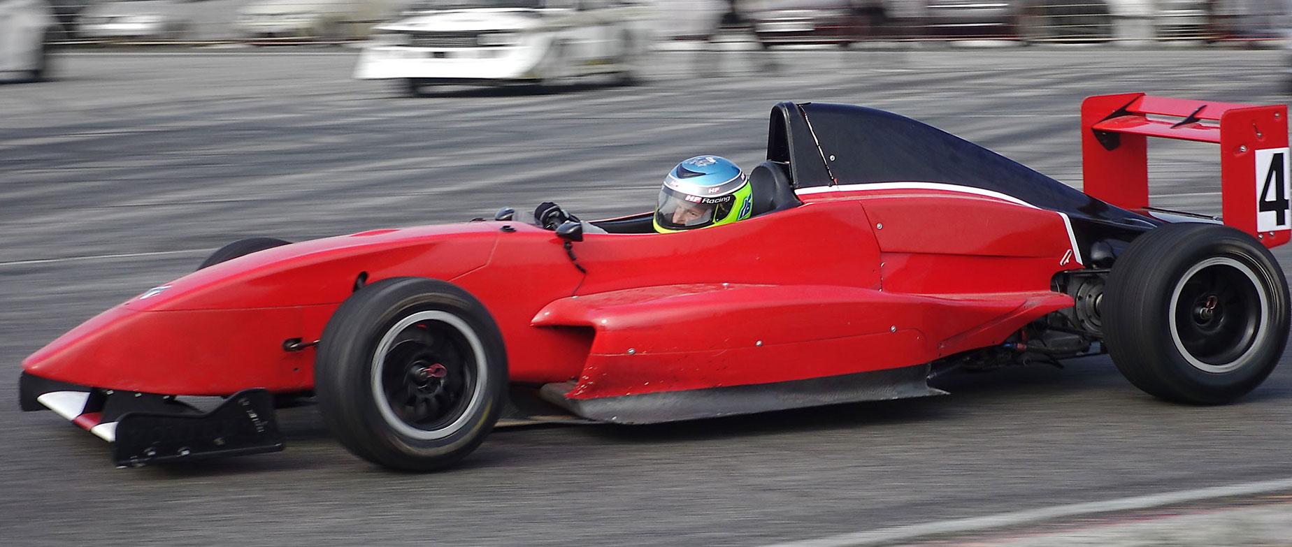 Formula 2.0élményvezetés az Euroringen