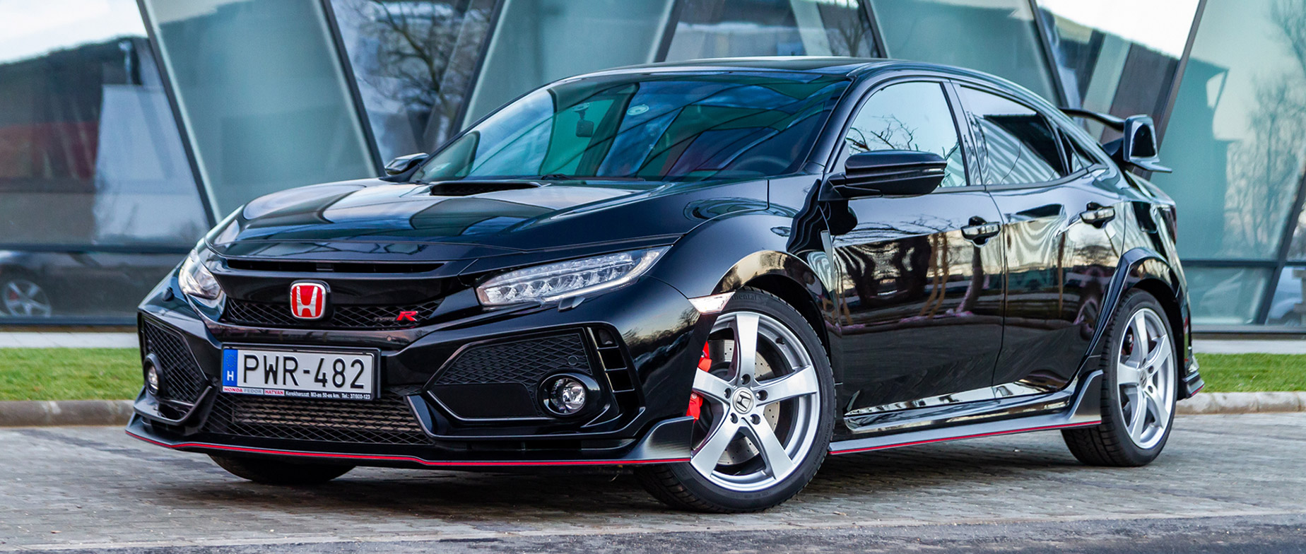 Honda Civic Type-R utcai élményvezetés