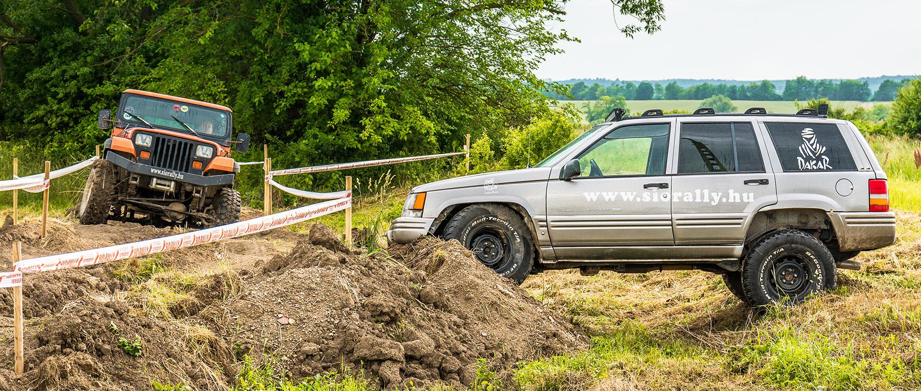 Off road Jeep terepjáró élményvezetés