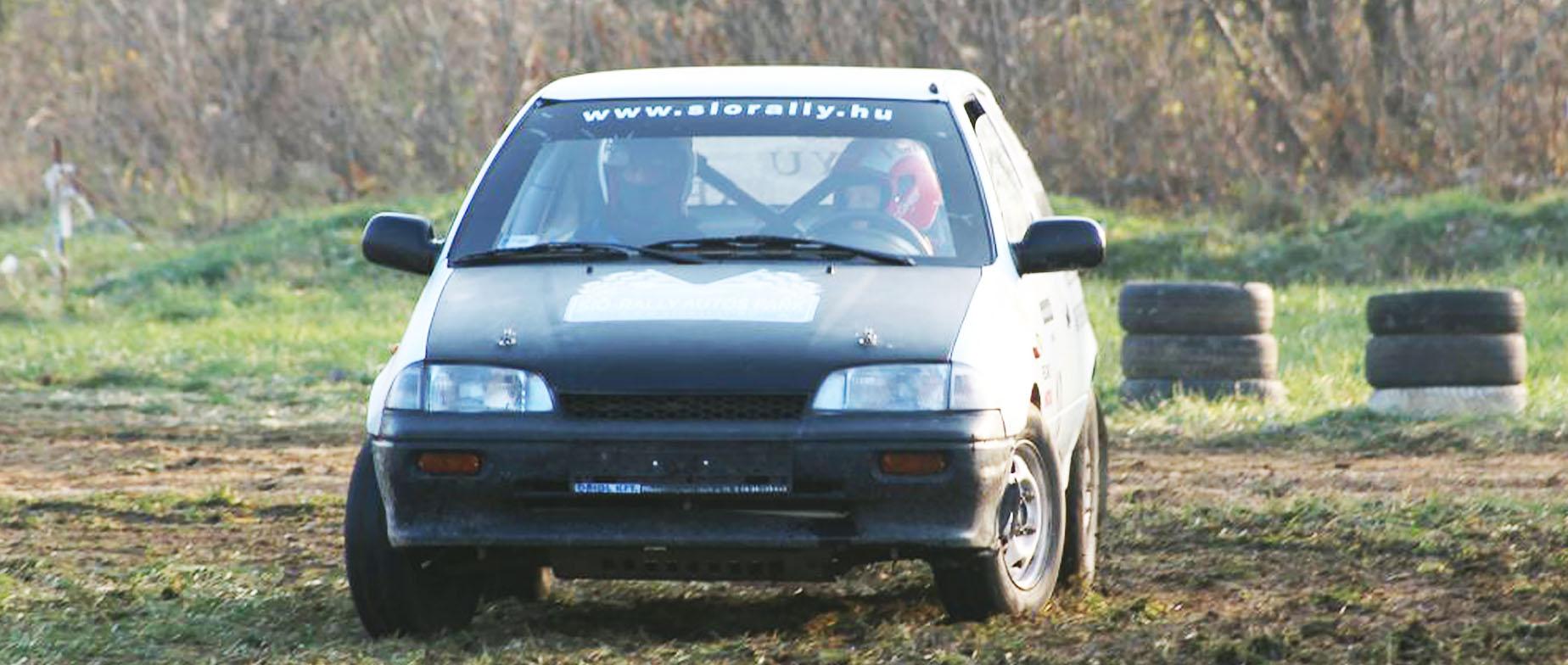 Rally autó vezetés gyerekeknek